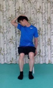 頚の回旋2