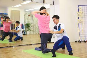 パーソナルトレーニング,姿勢改善,O脚,反り腰,猫背,南森町